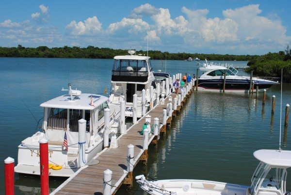 Club member boats tied up at 'Tween Waters Resort.