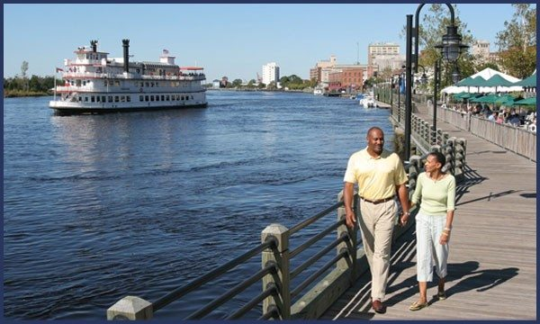 riverwalk-couple-walking